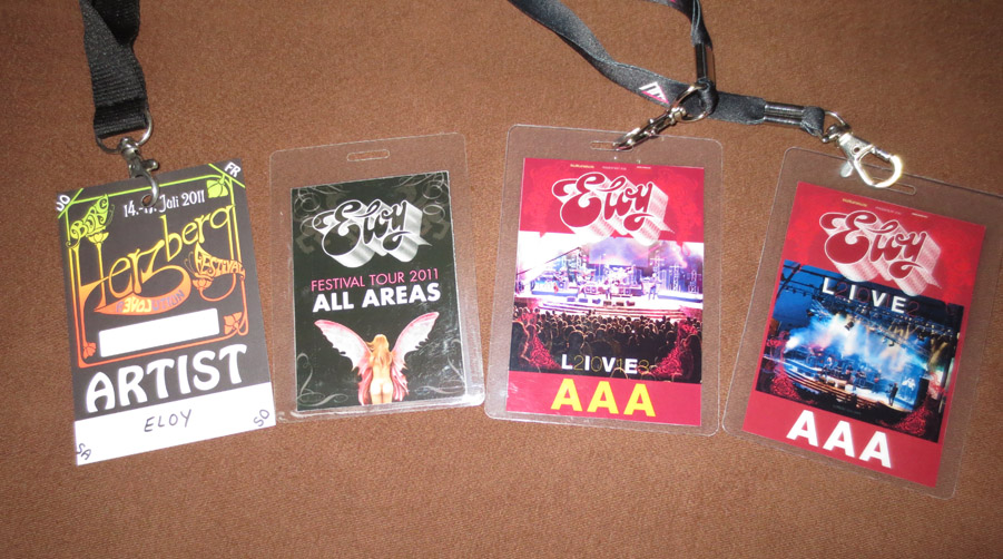 [Image: Tourpasses.jpg]